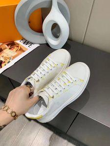 Paris Designer Sneakers Casual Shoes Mens Womens Brand Designer Knitted Mesh Breathable Comfortable Flat Heel Dress Shoe JK02