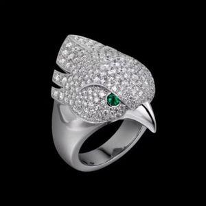 Hot sale argent animal Tête d'Aigle Bague personnalité neutre Twinkle oiseau de luxe de qualité supérieure Anneaux yeux incrustés de cristal vert Punk
