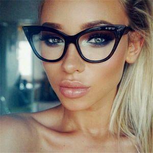 Guangdu clásico del diseñador de moda 2020 Ultraligero ojo de gato gafas de sol de mujer de marca vidrios transparentes Frame gafas grandes y pequeños