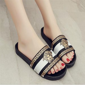 New Designer Sliders Womens Summer Sandals Beach Shoes Slippers Ladies Flip Flops Loafers 3 Color Chaussures Size 35-42