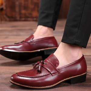 M-anxiu Men Shoes Fashion Leather Doug Casual Flat Tassels Slip-On Driver Dress Loafers Pointed Toe Moccasin Wedding Shoes CX200731