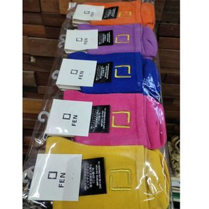 وصول المرأة الجديدة رسالة الجوارب القطنية مع البطاقات الصلبة اللون رسالة تنفس الجوارب مع ختم جودة عالية بالجملة