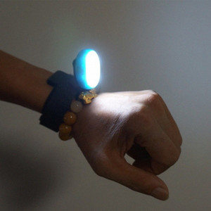 Llevó reloj de luz USB portátil de carga de bicicletas Noche impermeable muñeca Running Light lfrU #