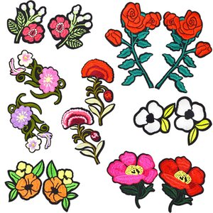 1 Pair Lovely Embroidery Flowers Patch Badge for Girls Teens Iron on Transfer Embroidery Patch for Clothes Dress Bags Hats Sew Accessories