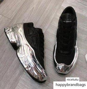Sneaekers Raf Simons Oversized Sneaker Ozweego Shoe men women Luxury Designer shoes in Silver Metallic effect Sole Sport Trainer q8