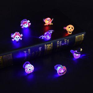 Halloween Cartoon Anello Ghost Pumpkin Bat Design Design Anelli Led LED Glowing Anello Flash Gel Soft Gel Finger Light Bambini Lampeggiante Giocattoli regalo