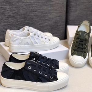 بنات موضة Walk'n شقة حذاء رياضة متعدد الألوان المائل التطريز الدانتيل متابعة الأحذية حذاء قماش شقة الجري المدربين النساء في الهواء الطلق أحذية EU4