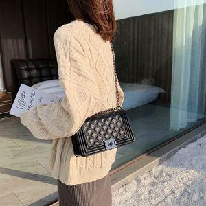 OyENV New online red texture female 2020 new Xiangfeng diamond lattice single shoulder all-match lock buckle diagonal small square bag Diamo