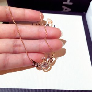 New Fashion Japanese and Korean Fashion Exquisite Super Flash Crystal Wings Elegant Clavicle Necklace Short Necklace
