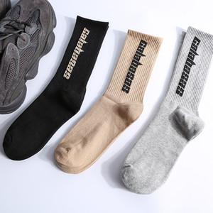 СЕЗОН 6 Мужская мода Калабасаса носки скейтборда письмо Отпечатано Носки Канье Спорт Носки Sockings Hip Hop