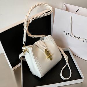 SICAK Fransız Tasarım Moda Kepçe Çanta Şık Omuz Çantası Çantası Genişlik 15cm Yükseklik 16cm Kalınlık 6cm