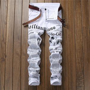 Los hombres pantalones vaqueros de hip hop otoño carta dril de algodón pantalones casuales de periódicos impresos clásicos vaqueros delgados de los pantalones vaqueros de moda blanco Joven