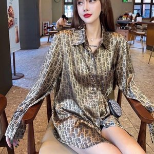 Nuevo otoño de 2020 celebridad web rápida mano con jacquard de seda holgada camisa de longitud media