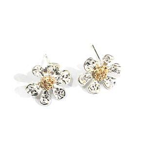 Elegant Lady Ear Nails Girl Summer Fresh Cute Daisy Flower Earrings