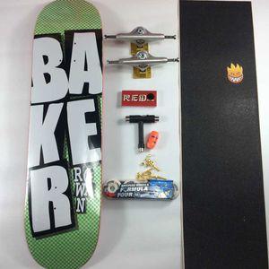 Planche à roulettes Baker Pro planche à roulettes d'érable canadienne ensemble complet Planches à roulettes avec tous les accessoires pont camion Roues Graptable