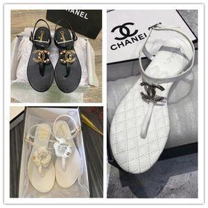 2020CC ladies flat sandals luxury designers flip flops design slides women chãnêl slippers High quality gladiator sandals Leather with box