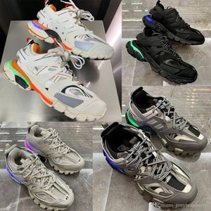 Luxury Designer Shoes Men Track Trainer Release 3.0 Tess S Paris Triple S Sneakers For women LED sole with 11 color Lights