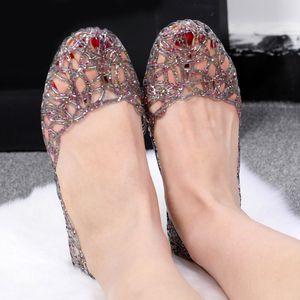 ABER Женщины Новые Желе сандалии выдалбливают сетки Квартиры Кристалл Bling Повседневная обувь Женский Мода дышащий Комфорт Женская обувь