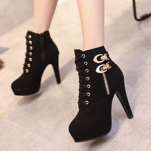 Plus Size 35-43 Platform Boots Autumn Winter Women Boots High Quality Solid Lace-up European Ladies shoes PU Leather Zip