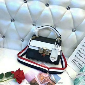 Hot 2019 Single Shoulder Bag In Finalizing The Brand Fashion In Europe And The Star Chain Small Bread Quality Women Handbags Free Shipping