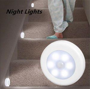 أضواء ليلة الأشعة تحت الحمراء PIR الحركة الاستشعار 6 LED ليلة الخفيفة اللاسلكي ضوء كاشف الجدار مصباح السيارات / إيقاف خزانة ضوء استشعار