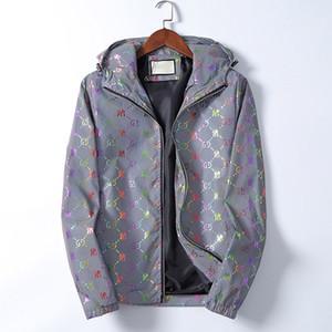 2020 otoño e invierno el nuevo diseñador de manga larga chaqueta con capucha para hombre de la medusa 5D reflectantes damas chaqueta rompevientos jacke ocasional de alta calidad