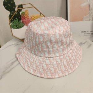 2020 venta caliente del sombrero del cubo diseñador casquillo de la manera Tacaño Brim sombreros respirable ocasional Armarios Redondas 3 colores con alta calidad