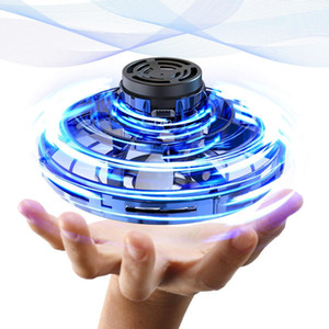 360 Rotating Mini UFO-Tricked Out volant Boomerang Spinner détente Jouets Drones Flynova USB de charge et lumières LED