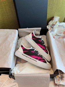 scarpe casual della nuova signora di marca del progettista di moda scarpe da donna sportivo in pelle nuova piccole scarpe bianche Graffiti disegno stampa