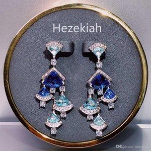 Hot money Sector Earrings blue Diamond Sweet Temperament lady Earrings Triangle Free shipping Women's Earrings Superior quality Dance p