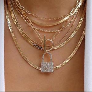 طبقة تصميم مثلج خارج قلادة قفل القلائد الموضة الجديدة شخصية متعدد المختنق قلادة للبنات المرأة حجر الراين الهيب هوب مجوهرات هدية