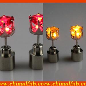 Luminous ve küpe ışıklı LED Patentli ürünler 8 renk mevcuttur küpe yanıp