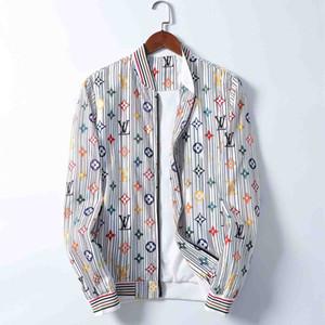 Mens Designer Jacket Vest Coat Zipper Luxury Reflective Casual Trench Hoodie Men Women Brand Windbreaker Coat Fashion Brand Jacket qy7