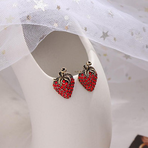 2020 Japan and South Korea new fruit strawberry stud earrings high-end quality earrings cute Korean earrings free shipping