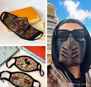Neueste Ledergesichtsmaske, Mode monogrammiert Druckblumenmaske Mund Abdeckungen Staying Safe in der Art-Männer und Frauen Größe freie Boxen