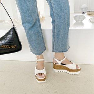 Сандалии 2020 Лето новых женщин толстым дном сандалии моды пряжки ремень открытым носком Женская обувь Solid Клин Рим Женская