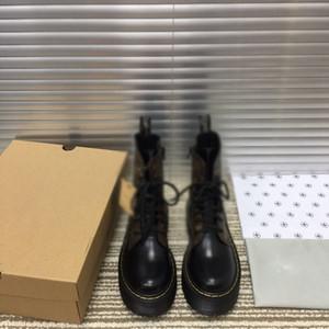 booties Hot Nova Moda Mulheres Martin alta qualidade botas de couro no tornozelo Motocycle sapatos curto borracha plataforma inferior antiderrapante martins dr inicialização