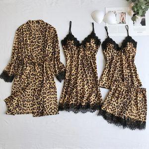 de las mujeres de leopardo de cuatro piezas honda pijamas cuatro pijama pieza atractiva de seda del hielo de la honda del verano del juego delgado con cojín en el pecho ropa para el hogar de seda