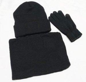 New Designer Sombreros Bufandas Guantes Conjuntos Fashion Scarf Gloves Beanie Accesorios de clima frío Cashmere Conjuntos de regalos para hombres Mujeres