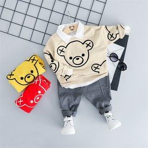 HYLKIDHUOSE la ropa infantil para niños pequeños Trajes de primavera bebés de los muchachos sistemas de la ropa de la historieta del T Pantalones niños hijos de vestuario X0923