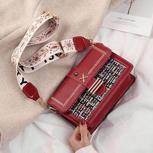 2020 Hot Sell Messenger Bag Wide-Strap Messenger Bag 2 Article Strap Messenger Bag Embroidered Metal Free Shippin