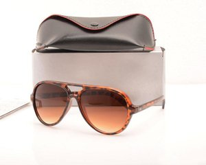 Коробки Mens Classic Fashion Sunglasses Designer Womens Солнцезащитные очки Бренда Престижные Очки С Защитой Солнца UV400 Шкафы и GLA BXXHB