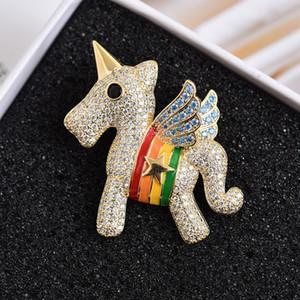 Moda feminina única Pinos amarelo da cor do ouro CZ Flying Horse pins broches para meninas Mulheres para belo presente Wedding Party