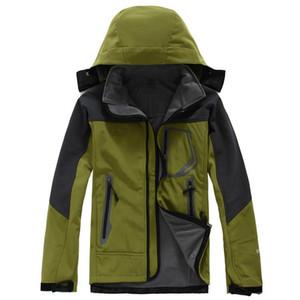 2019 Hot Softshell-Winterjacke Mens winddicht atmungsaktiv wasserdichte Jacke Outdoor-Warm Ski Bomberjacke Mans Jagd-Kleidung Plus Size