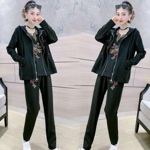 dPHVI terno Casual 2020 Primavera New Tight Pants casaco com capuz diamante casaco cardigan T-shirt de manga curta conjunto Harlan leggings de três peças das mulheres