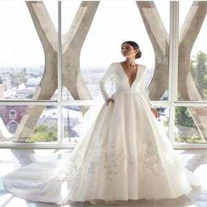 Elegant Wedding Dresses Lace Appliqued Long Sleeves Modest Plus Size Bridal Gowns Ruched Satin Dress Sweep Train Robes De Mariée Cheap