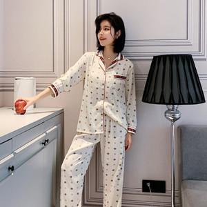 Classique Bee vêtements de nuit Série Femmes Mode soie Pyjama Set Top année respirante Comfotable Nightgown Vente chaude De Nuit
