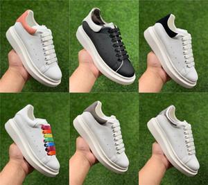 Sneakers Designer di alta qualità pattini della piattaforma di cuoio del tallone piano variopinto Lace-up inferiore scarpe casual scarpe da donna e da uomo 36-46 Dimensione calda