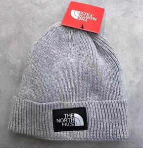 2020 Fashion Berretti TN degli uomini di marca Autunno Inverno Cappelli Sport Cappello di lana addensare Warm casuale cappello esterno Cap Double Sided Cappelli Beanie Skull