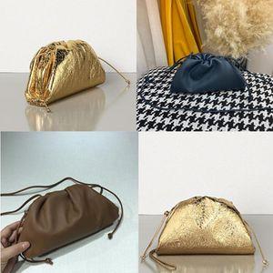 2020 Kadınlar kese içinde TEREYAĞ BUZAĞI Yumuşak Oversize Debriyaj derece de Yumuşacık Dana derisi tasarımcı lüks çanta çantalar Kadınlar Bulut GTsG #